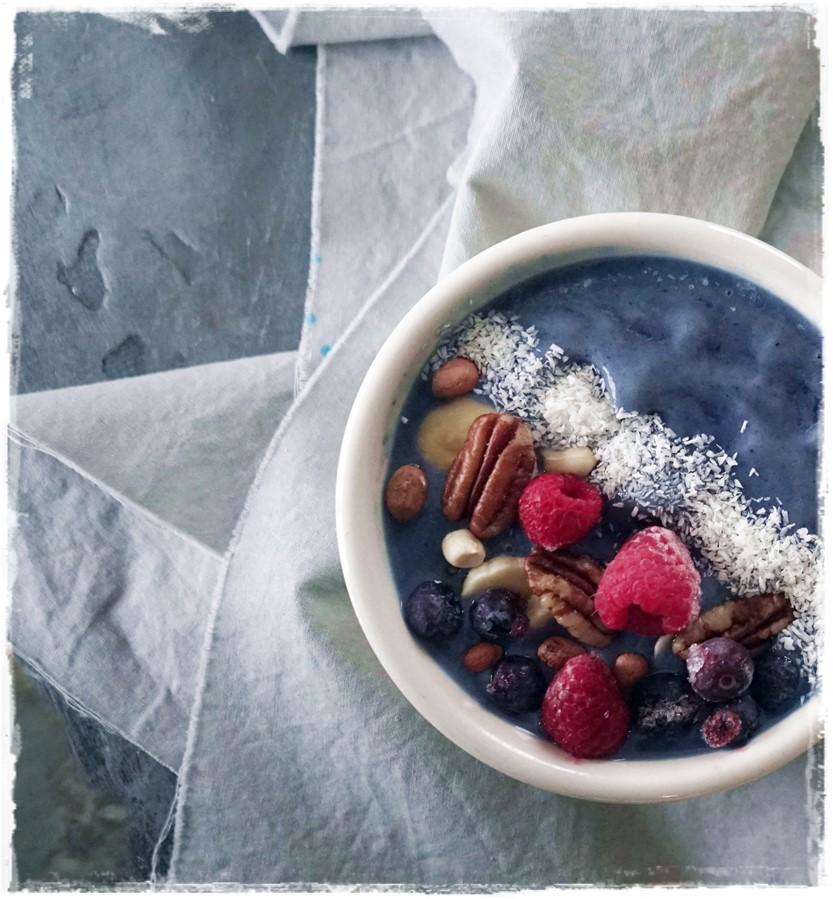 Tropical Blue Smoothie Butterfly Pea Flower Rawon10 #healthyfood #rawfoodrecipes #easyaffordableraw